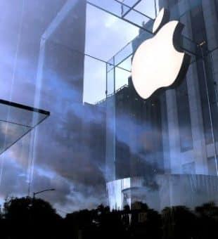 ۱٫۵ تریلیون دلار ارزش اپل؛ تسلا ارزشمند ترین خودرو ساز